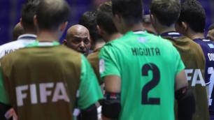 Судьи лопухнулись, должны были зафиксировать нарушение - Иванов об игре аргентинского вратаря за пределами штрафной