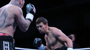 Как-то очень уж постановочно упал Майк Курцвейл в бою с Акбербаевым - Беленький