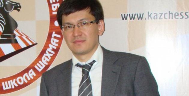 Дармен Садвакасов рассказал о Бибисаре Асаубаевой и открытии своей академии