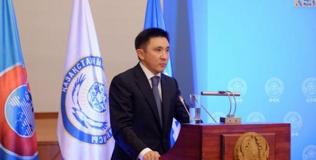 Кожагапанов передал Байшакову обязанности президента ФФК
