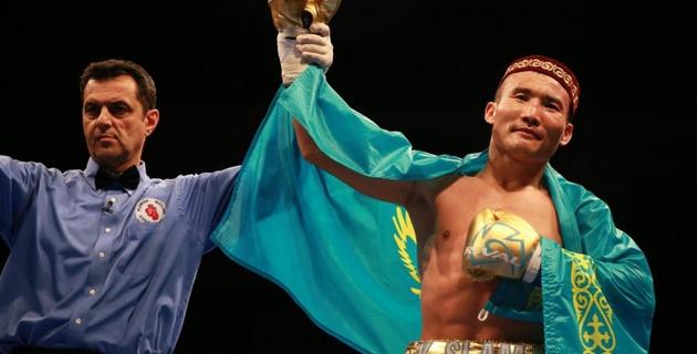 Канат Ислам победил Патрика Аллотея и завоевал два чемпионских титула