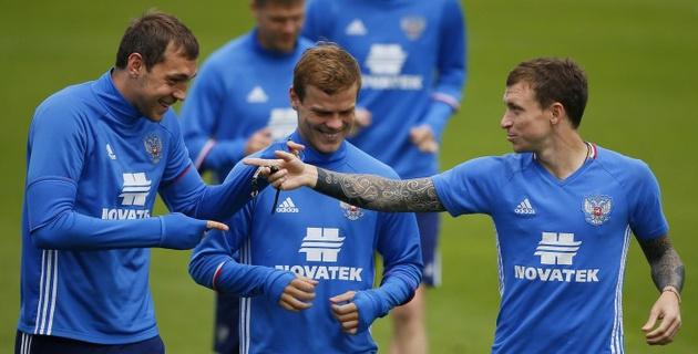 Кокорин и Мамаев получили 30 миллионов рублей за выход сборной России на Евро-2016