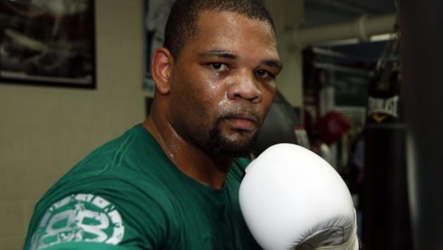 Нокаутированный Поветкиным за полторы минуты кубинский боксер отказался от услуг тренера Головкина