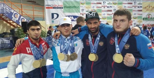 Казахстанский боец триумфально выступил на чемпионате мира по панкратиону