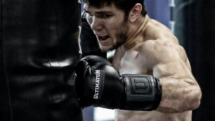 Нокауты вместо гимнастики. 21-летний казахстанец хочет стать абсолютным чемпионом мира