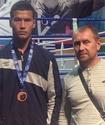 Казахстанец Дауренулы стартовал с победы нокаутом на ЧМ по боксу в Санкт-Петербурге