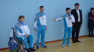 Серебряный призер Олимпиады Елдос Сметов провел урок физкультуры в родной школе