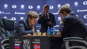 Норвежец Магнус Карлсен защитил звание чемпиона мира по шахматам