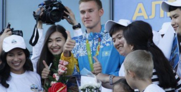 Назарбаев раскрыл секрет побед олимпийского чемпиона Баландина