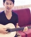 Казахстанский фигурист Денис Тен спел под гитару