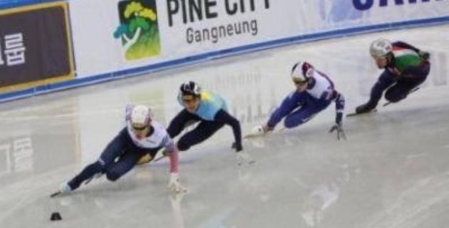 Казахстанец Нурберген Жумагазиев выиграл этап Кубка мира по шорт-треку