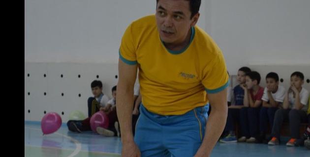 Двукратный серебряный призер Олимпийских игр Булат Джумадилов провел урок физкультуры в Кокшетау