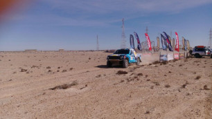 Экипаж Off Road Kazakhstan вошел в Топ-5 в абсолютном зачете ралли Africa Eco Race-2017 после пятого этапа