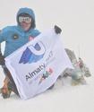 Альпинист Максут Жумаев водрузил флаги Универсиады и Vesti.kz на самые высокие точки трех континентов