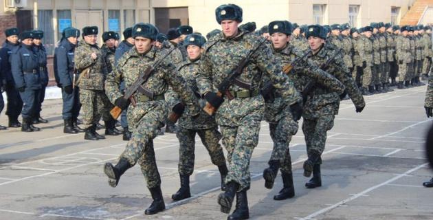 Официально в армии. Как Дмитрий Баландин и Нижат Рахимов приняли военную присягу