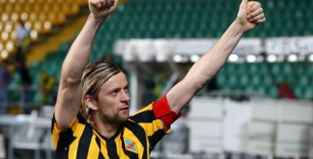 Тимощук оформил дубль за две минуты в дебютном матче за любительскую команду