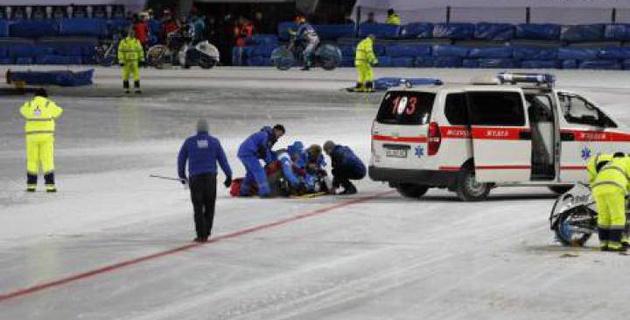 Российского гонщика госпитализировали после падения на ЧМ по спидвею в Алматы