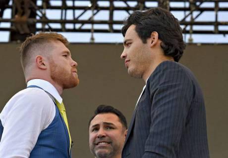 Мужчины говорят в лицо, а Чавес - у меня за спиной - Альварес
