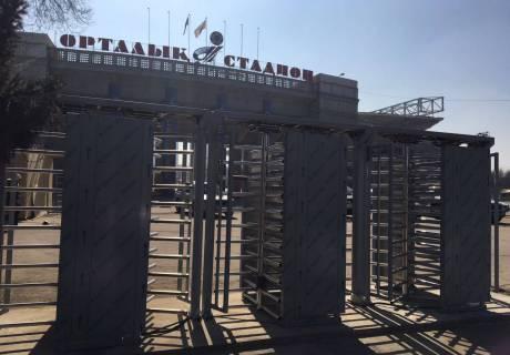 На Центральном стадионе Алматы установили электронные турникеты