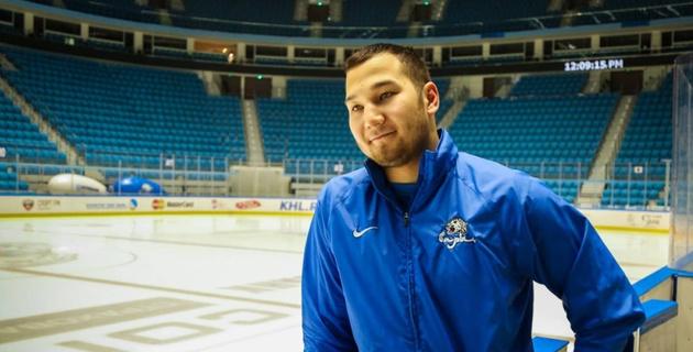 Дамир Рыспаев скинул соперника с борта на скамейку в чемпионате Казахстана