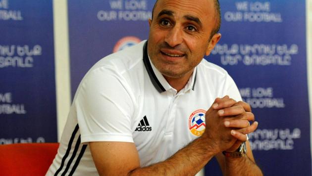 Тренер сборной Армении назвал удаление решающим моментом матча с Казахстаном