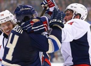 Овечкин спровоцировал массовую драку в матче НХЛ и разбил нос сопернику