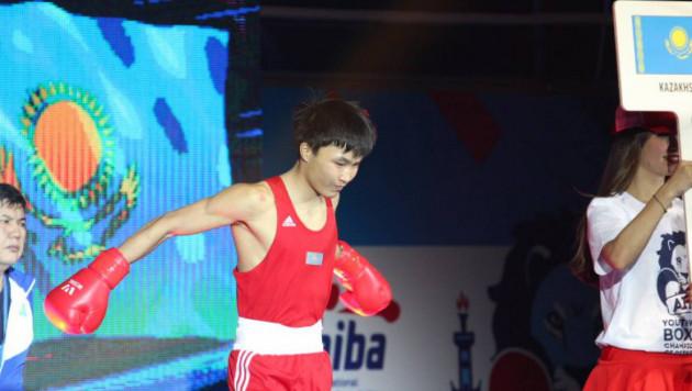 Четыре казахстанских боксера вышли в полуфинал турнира в Болгарии