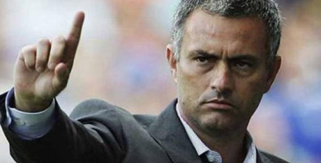 """Если бы я был защитником """"Манчестер Юнайтед"""", я бы злился на своих нападающих - Моуринью"""