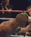 Индонго победил Бернса и в будущем может встретиться с Кроуфордом