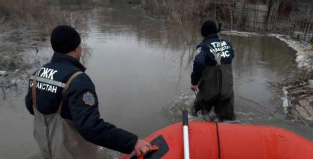 Сотрудники НОК Казахстана перечислили  однодневный заработок пострадавшим от паводков