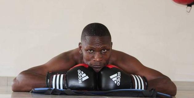 Боксер из Ботсваны умер в больнице после поражения нокаутом