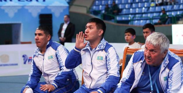 Айтжанов прокомментировал старт казахстанских боксеров на ЧА-2017 в Ташкенте