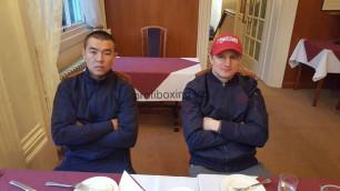 Казахстанские боксеры Ешенов и Журавский прибыли в Англию на титульные бои