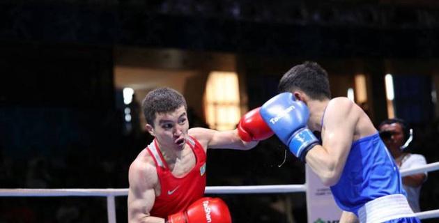 Как казахстанец Кайрат Ералиев проиграл китайскому боксеру в полуфинале ЧА-2017