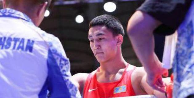 Тренер рассказал, за счет чего узбекский боксер победил казахстанца Аманкула на ЧА-2017