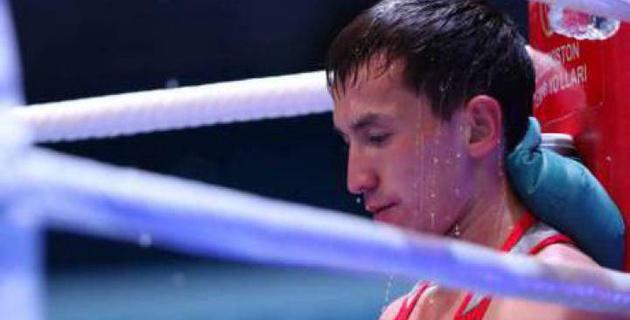 Казахстанец Жомарт проиграл боксеру из Индонезии в бою за лицензию на чемпионат мира