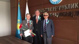 Президент НОК РК поздравил ветеранов спорта и тружеников тыла с Днем Победы