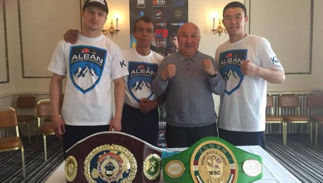 Казахстанские боксеры Ешенов и Журавский прошли взвешивание перед титульными боями в Англии