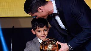 Криштиану Роналду показал очередной красивый гол своего 6-летнего сына