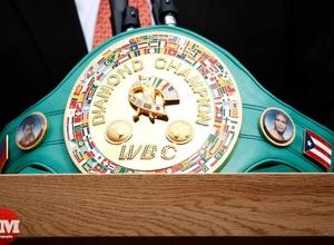 На кон боя Мейвезер - МакГрегор могут поставить бриллиантовый пояс WBC