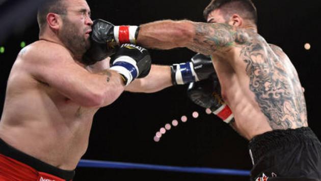 Экс-боец UFC впал в кому после поражения нокаутом в боксерском поединке