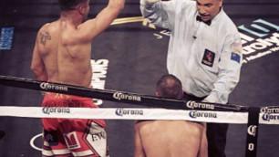 Рефери в ринге - и бог, и царь. Он должен был отсчитать нокдаун и наказать Уорда за удар ниже пояса - специалист