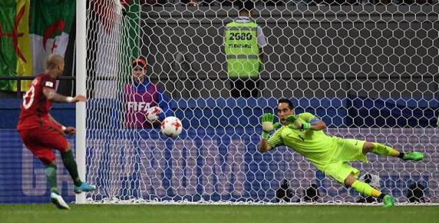 Вратарь сборной Чили назвал неслучайностью три отраженных пенальти в полуфинале Кубка конфедераций