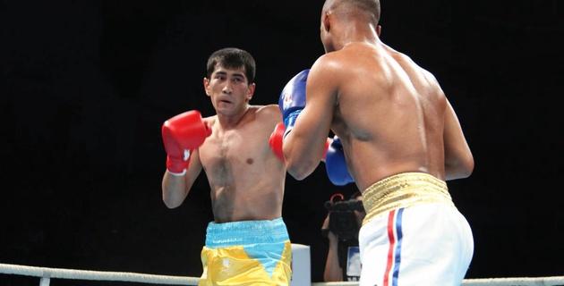 Казахстанский боксер рассказал, как победил чемпиона Олимпиады из Кубы и перевел финал WSB в дополнительный бой