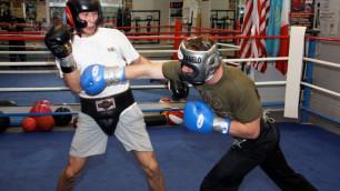 """Казахстанскому боксеру предложили стать спарринг-партнером """"Канело"""" для подготовки к бою с Головкиным"""