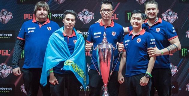 Команда с тремя казахстанскими геймерами выиграла мейджор по CS:GO и заработала полмиллиона долларов