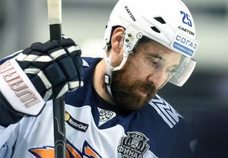 Трехкратный чемпион мира по хоккею дисквалифицирован на два года за допинг