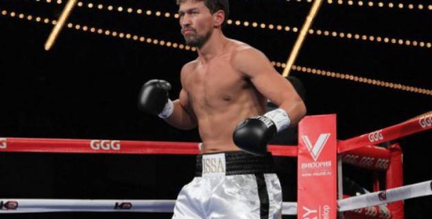 Непобежденный казахстанский тяжеловес Акбербаев проведет титульный поединок 4 августа