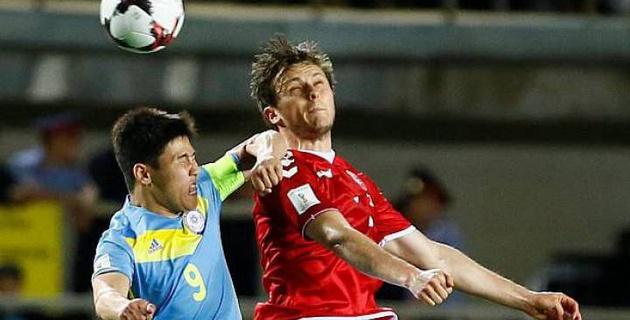 УЕФА дисквалифицировал Бауыржана Исламхана на три матча за удар соперника локтем - СМИ