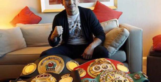 Альварес согласился драться за три титула Головкина